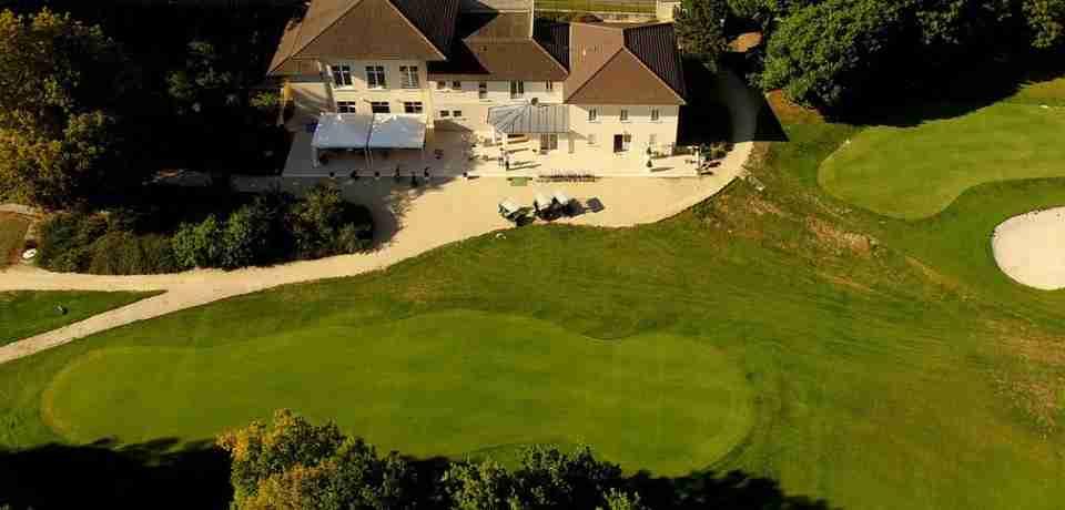 Golf du Chateau d'Humières à Monchy en France